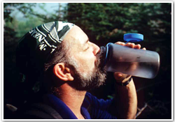 Hiker-drinking-water