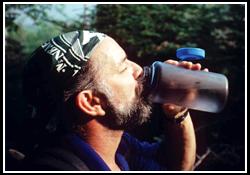 Hiker-drinking-water